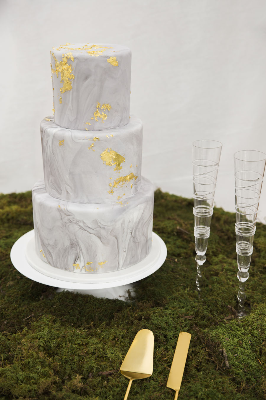 The Tradition of Wedding Cakes – Bluebird Productions